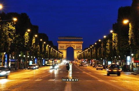 hotel westside arc de triomphe the champs elysées at night paris